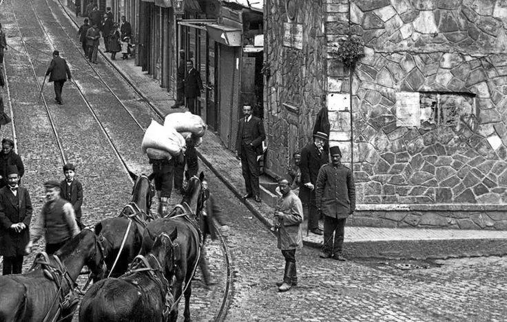 Yüksek Kaldırım'da insan manzaraları. / 1910