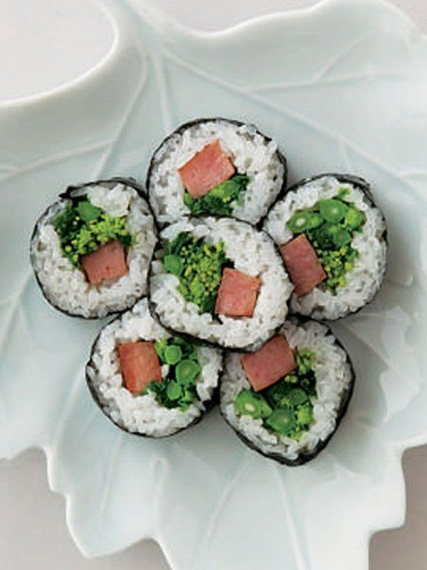 Recipe:ランチョンミートと菜の花ののり巻き・韓国風/ごま油の香りで、のり巻きが韓国風に