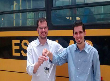 Vereador do Carmo consegue ônibus escolar http://www.passosmgonline.com/index.php/2014-01-22-23-07-47/regiao/9958-vereador-do-carmo-consegue-onibus-escolar