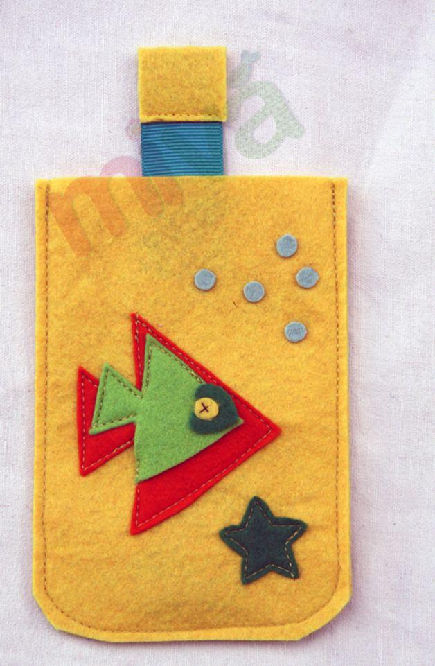 Custodie per cellulari - Porta cellulare giallo con pesce - un prodotto unico di ValyAndMiky su DaWanda