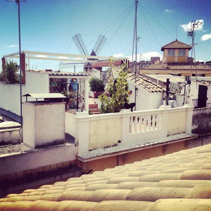 Love this little terrace. Santa Catalina, Palma de Mallorca.  www.conmigo.se