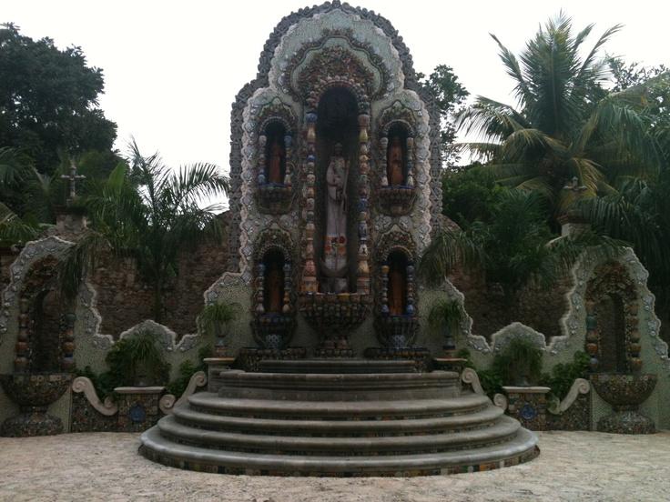 Fuente en La Casona, Valladolid, Yucatán.