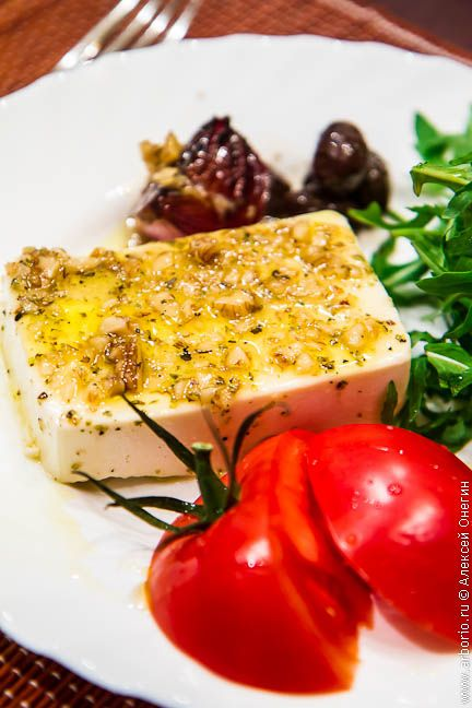 Запеченный сыр фета foto