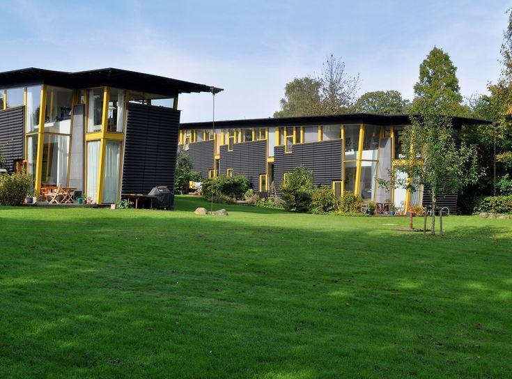 birkerød søhuse, birkerød, copenhagen, denmark 1994-1995. architects: tegnestuen vandkunsten.  the vandkunsten set. www.vandkunsten.com