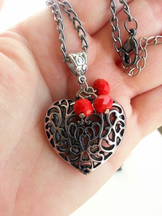 Valentine Heart PendantHeart necklacevalentine day by Blackpassion