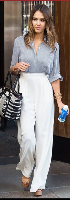 Who made  Jessica Alba�s white pants, blue shirt, and jewelry