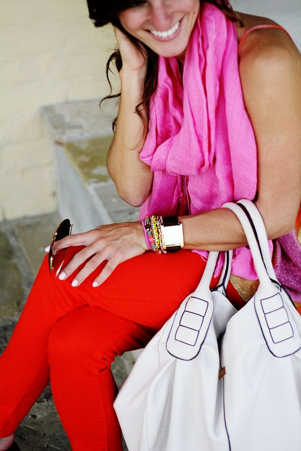 .: Colors Combos, Red Jeans, Southern Charms, Hot Pink, Summer Colors, Bold Colors, Bright Colors, Red Work, Red Pants