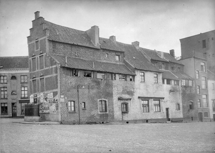 De Luif is een klein restant van de voormalige, veertiende-eeuwse vestingwerken in het eerste kwadrant Klein Italië in Venlo. Wordt momenteel gerennoveerd.