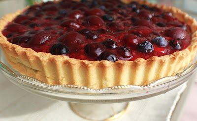 Whats Cookin Italian Style Cuisine: Very Berry Cherry Italian Cream Tart