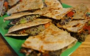 Black bean Quesadillas - perfect for a quick dinner or appetizer! Add your own toppings for a perfect combination of flavours.