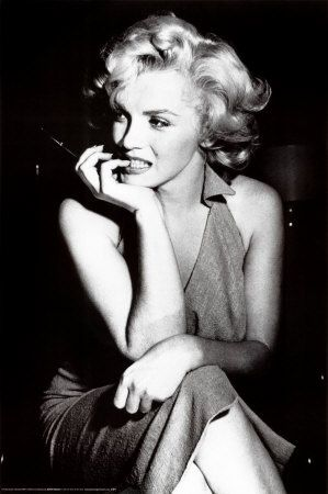 One of my favorite pictures of Marilyn. Will own it!