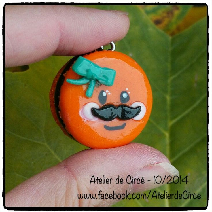 Halloween French macaroon in cold porcelain