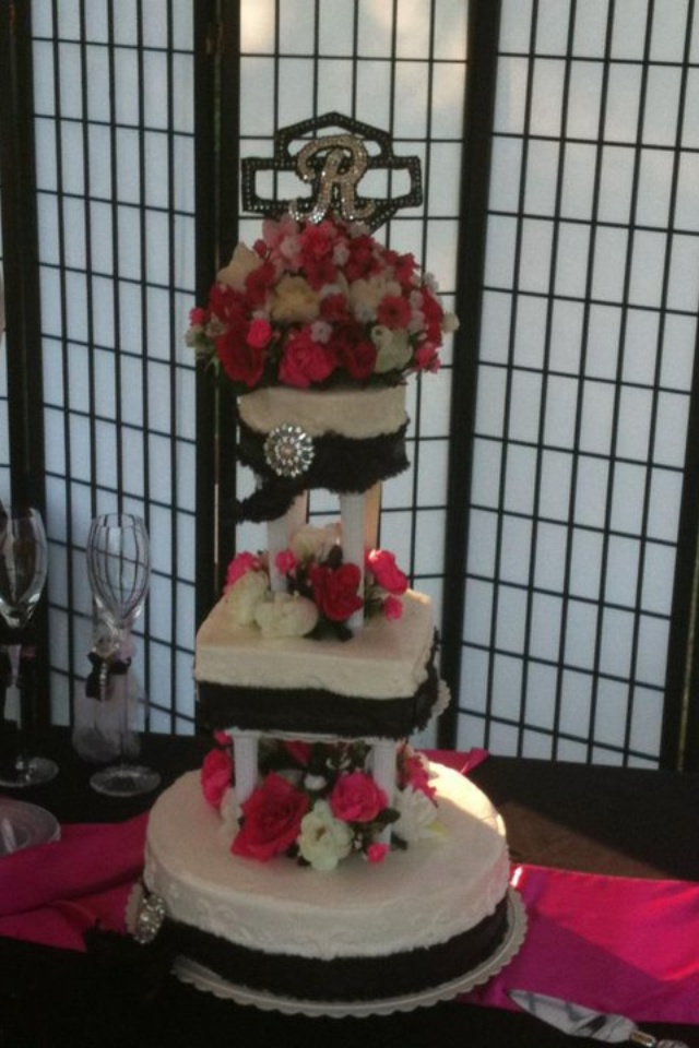 Harley Davidson Wedding Cake Not So Much Of The Flowers Tho And