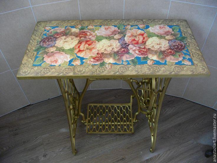 """Купить Оригинальный стол """"Пышные розы"""" - золотой, стол, столик, кухонный стол, письменный стол"""