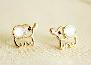 How cute are these? #Elephants #Earrings #Accussories #MustHave