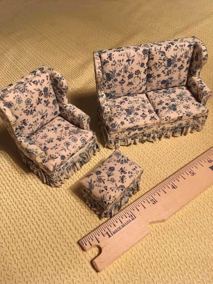 Miniture doll house living room set chair couch ottoman 3 pieces