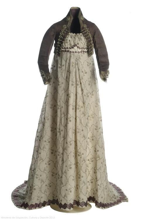 Dress and Spencer 1800s Museo del Traje. Me gustaría tener un traje como éste. :)