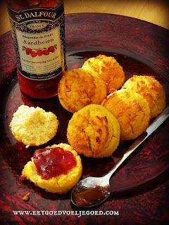 Eet goed, Voel je goed: Kokosmeel Scones - Graanvrij Coconut flour scones 18 min @ 392F 4 eggs 50 mL (1.67oz) coconut oil melted 1 Tbsp apple cider vinega 1 Tbsp honey 1 tsp vanilla 50 g coconut flour 1/4 tsp salt 1/4 tsp bicarbonate