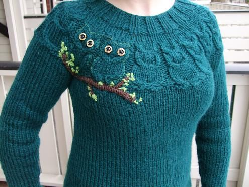UglegenserenE by erica.gronn, via Flickr. Fascinating owls shape made by cable knit stitch!