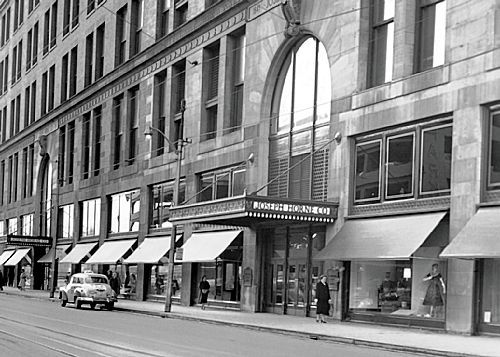 Clothing stores downtown pittsburgh