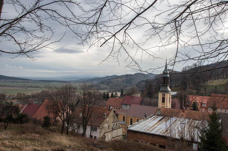 Widok na Srebrną Górę i Przedgórze Sudeckie.