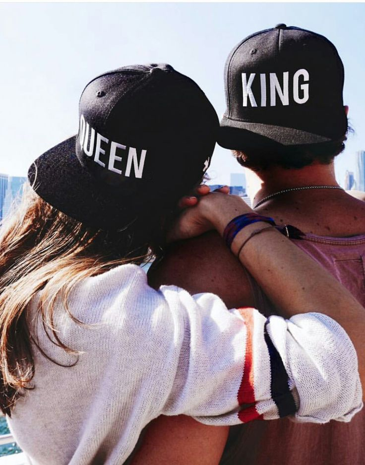 Gorra King Queen para hombre y mujer: perfecta para enamorados, parejas y mejores amigos! Haz tu pedido en nuestra tienda de ropa joven: http://latiendajoven.com/gorras-planas-accesorios/483-pack-gorras-king-queen.html Envíos rápidos y seguros! #gorras #complementos #king #queen #snapbacks #accesorios #moda #joven #streetwear #tiendaderopa