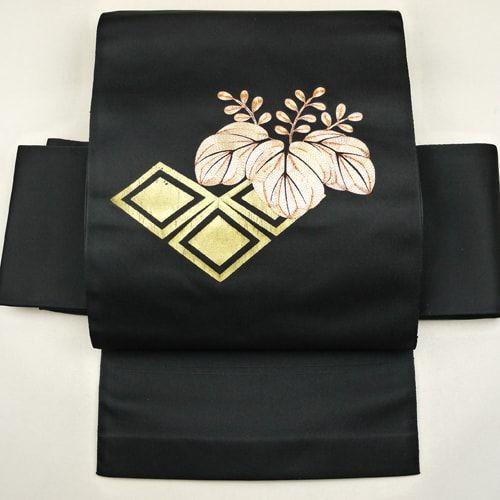 Black, nagoya obi / すり箔と金駒平埋め縫いを施した古典柄の八寸名古屋帯 http://www.rakuten.co.jp/aiyama #Kimono #Japan #aiyamamotoya