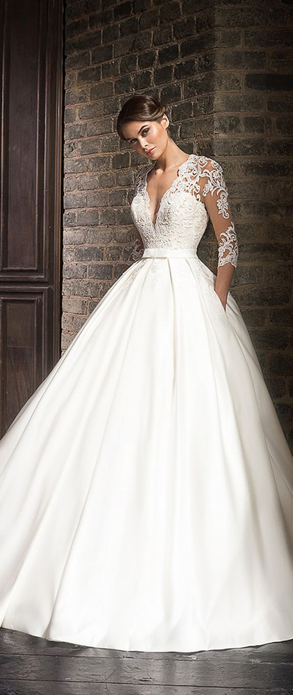 Marvelous Tulle & Satin V-Neck A-Line Wedding Dresses With Lace Appliques
