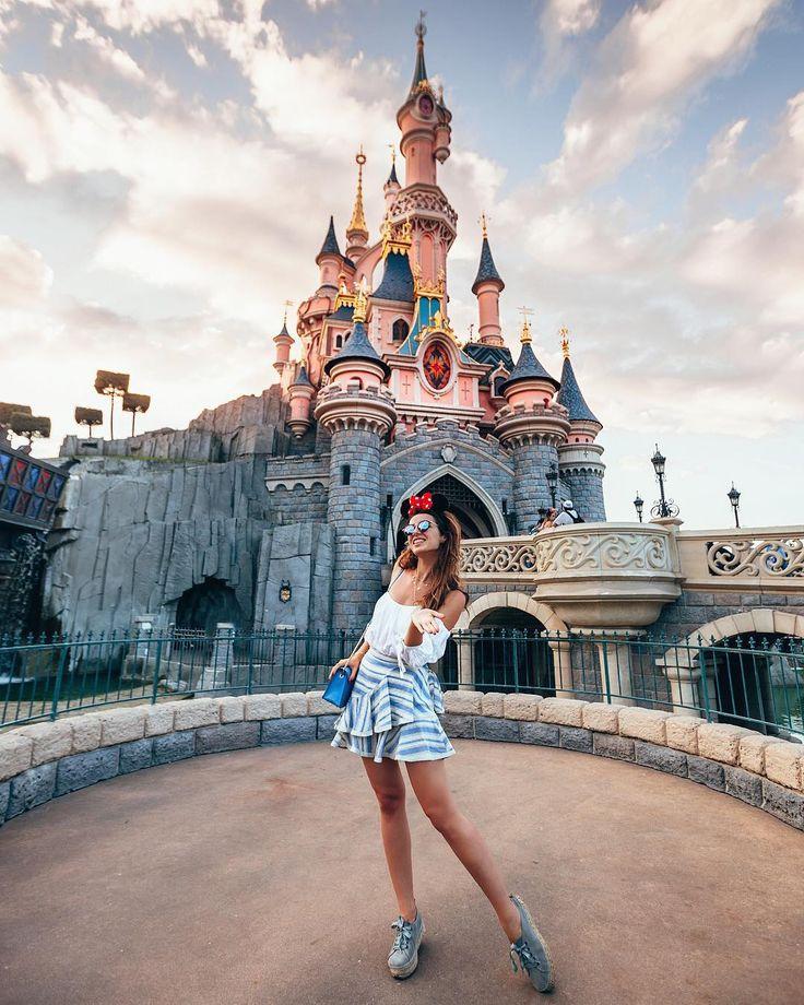 All year long magic awaits you at Disneyland ❤…