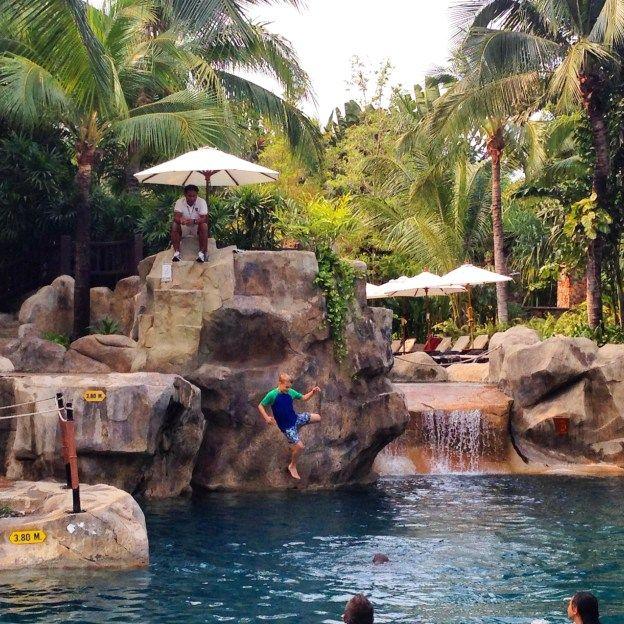 Rock Jumping at the Centara Grand Mirage Beach Resort Pattaya, Thailand @centaramirage
