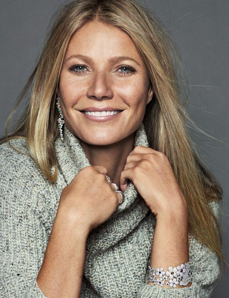 Gwyneth Paltrow wears Cavin Klein sweater with Tous jewelry. Photo: Xavi Gordo