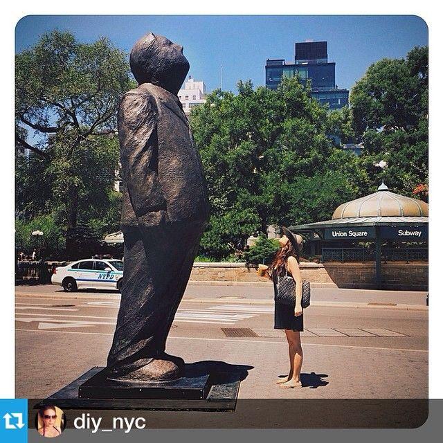 Union Square NYC - Do You THINK BIG