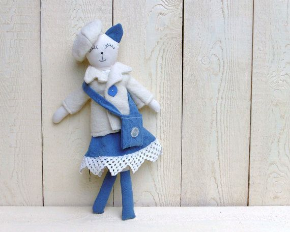 cat with coat and beret by mylittlestudio76  #italiasmartteam #etsy