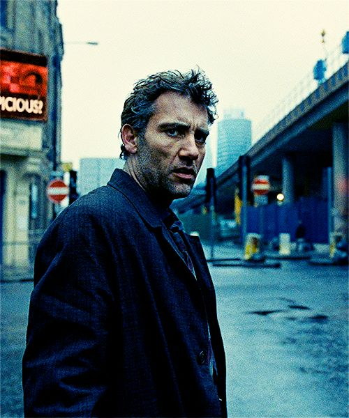 Clive Owen in Children of Men (2006) as Theo. I think Clive Owen is one of the most stylish men in Hollywood. I love his face. The broken nose .....