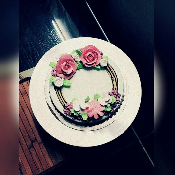 Another flower decorated cake
