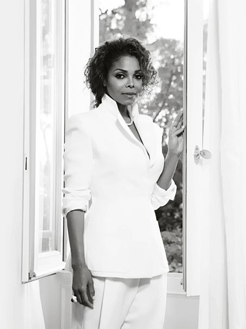 Janet, 2015.