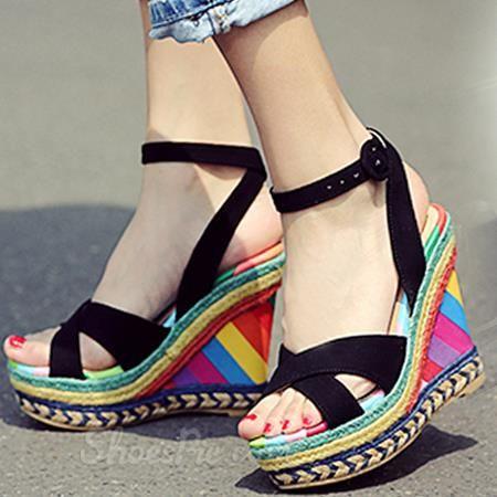 Shoespie colore dell'arcobaleno dell'involucro della caviglia Sandali con zeppa tacco