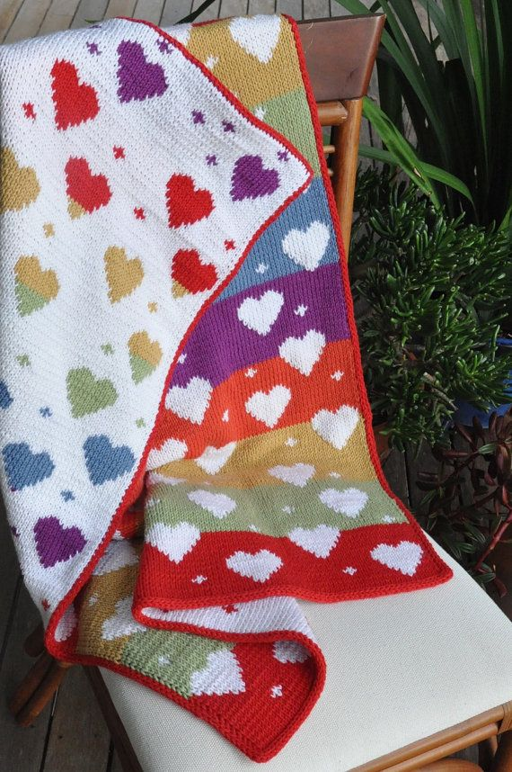 Baby Love  Double Knit Baby's Heart Blanket door QueenOfTheTeaCosies