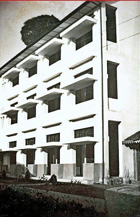 Nieuwbouw Grand Hotel Homann. Bandung 1928-1929