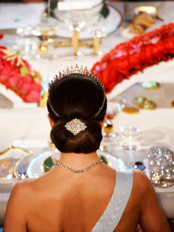 royalwatcher:  Crown Princess  Victoria-back hair detail