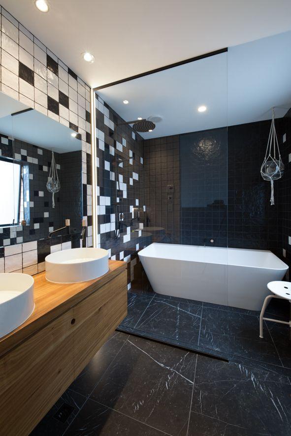 Glass Shower Screen Tilted Bathroom Black White Bathroom Contrast Bathroom Mirror Free Standi Black White Bathrooms Bathroom Decor Shower Over Bath White black bathroom decorating ideas