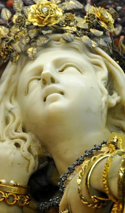 Italy, Santa Rosalia lying in a shrine, a beautiful statue by Gregorio Germani of 1625, and subsequently covered by a sheet of gold donated by King Carlos III. Dennis Jarvis