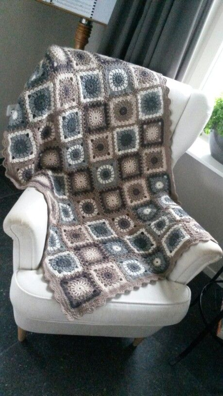 Afghan with Lima wool from dropsdesign. Crochet hook 4.