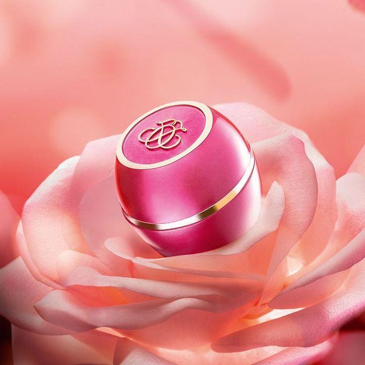 """80 Likes, 5 Comments - Oriflame Portugal (@oriflameoficialportugal) on Instagram: """"Adoramos esta #geleiareal com um encantador aroma a rosas. É perfeita, não acham? #geleiareal #rosa…"""""""