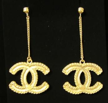 2016 Chanel CC Logo Earrings Huge Gold Dangle Rare New Authentic