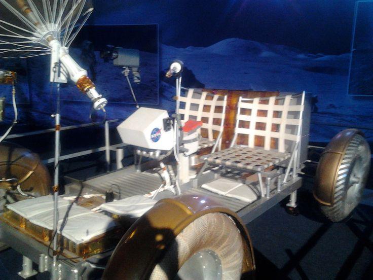 Gateway to space. Rovery používali v letech 1971-1972 na Měsíci výpravy Apollo 15 - 17