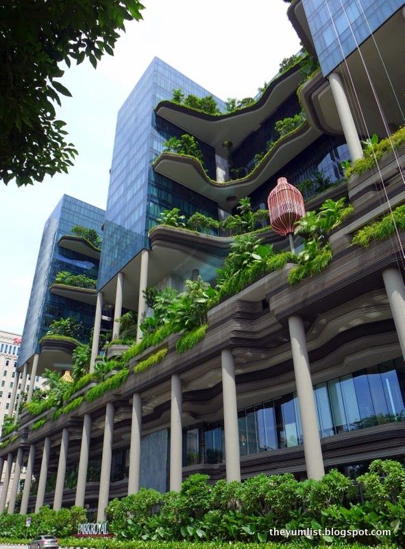 A green hotel in singapore green roofs pinterest for Famous buildings in singapore
