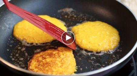 Kokt för mycket julgröt? Recept på plättar på rester av risgrynsgröt och smak av kokos och saffran!