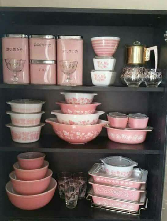 PINK DISHES!!!  <3