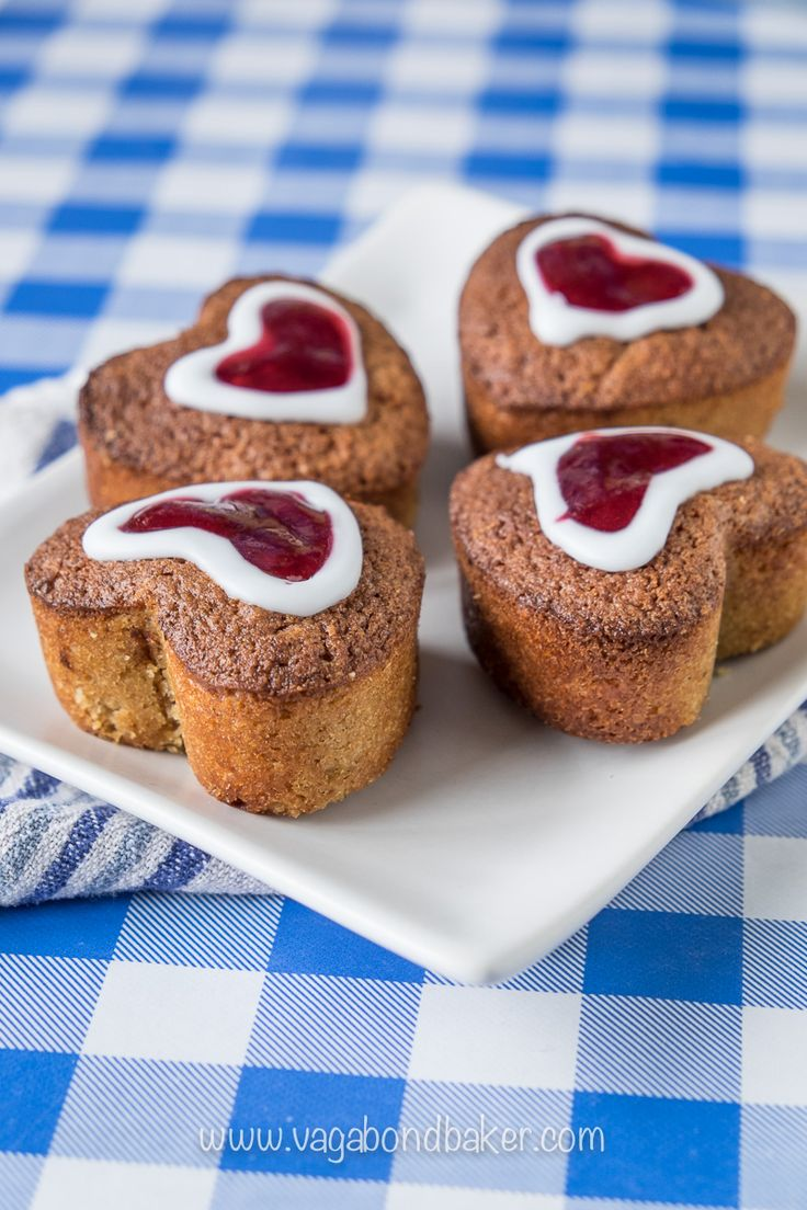 Runeberg Cakes (Runebergin Torttu) - A traditional Finnish cake that you must try: they are awesome! Lightly spiced, moist and a wee bit boozy!